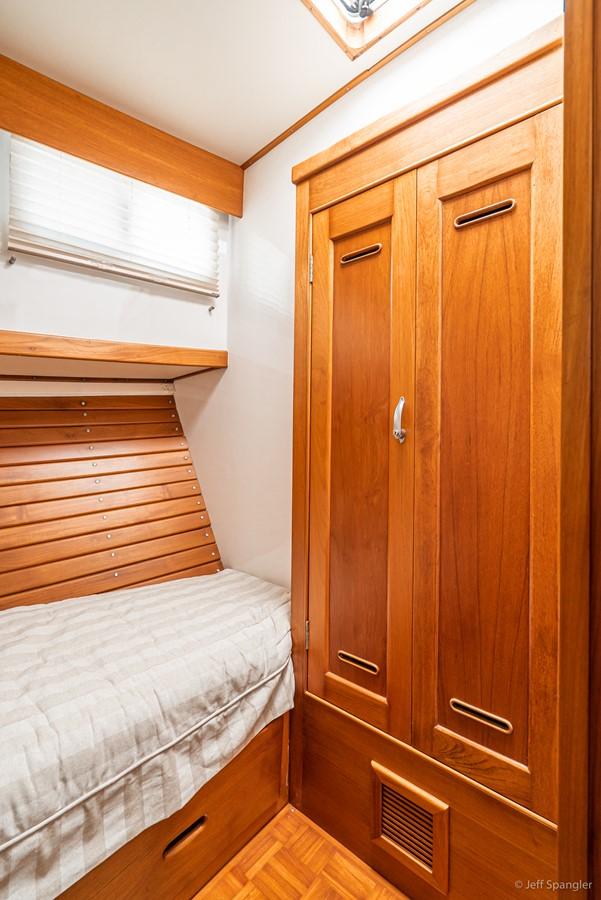 Port Stateroom Hanging Locker 1973 GRAND BANKS Grand Banks Europa Trawler 2625978