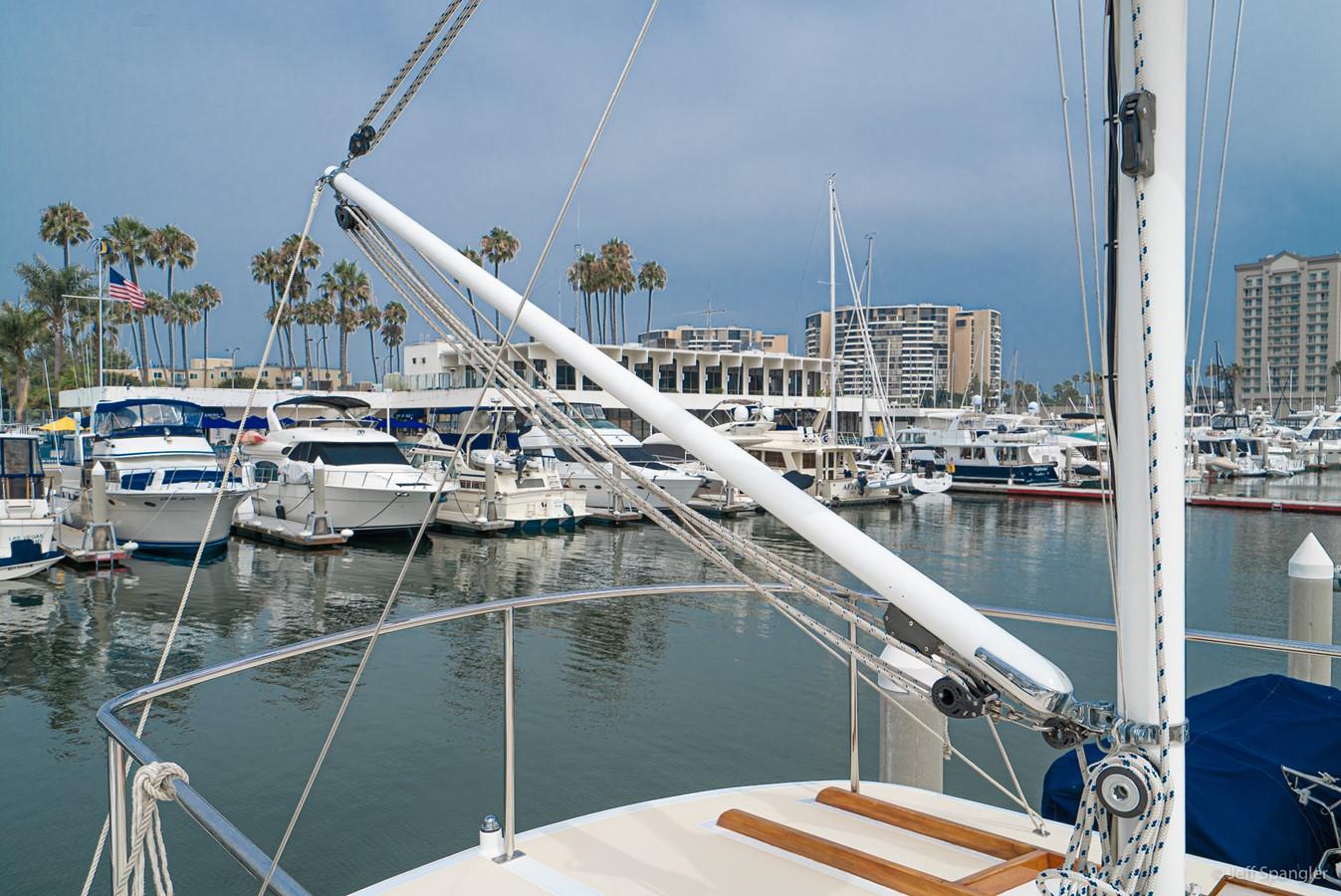 Mast 1973 GRAND BANKS Grand Banks Europa Trawler 2626020
