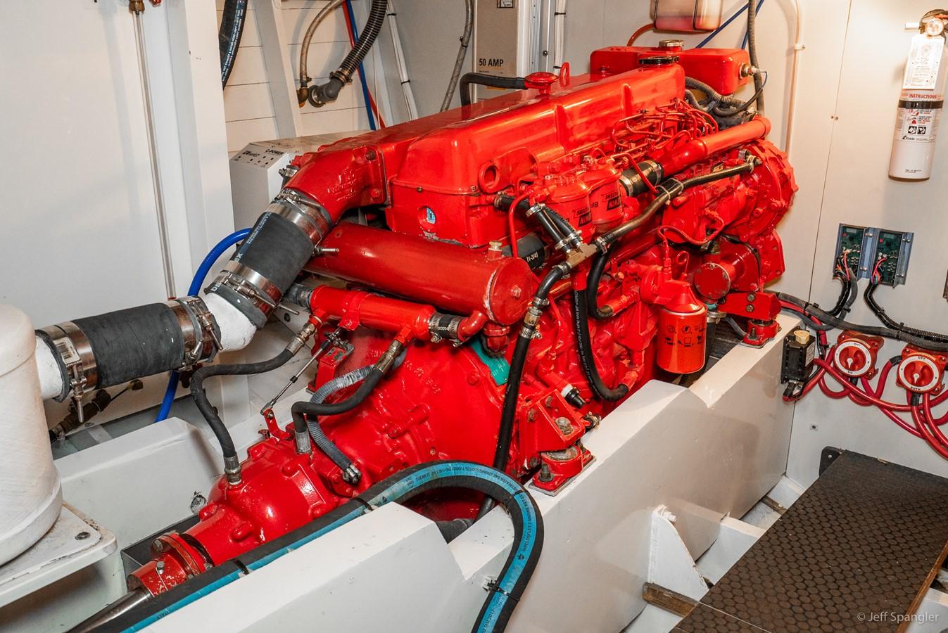 Engine Room Port 1973 GRAND BANKS Grand Banks Europa Trawler 2626037