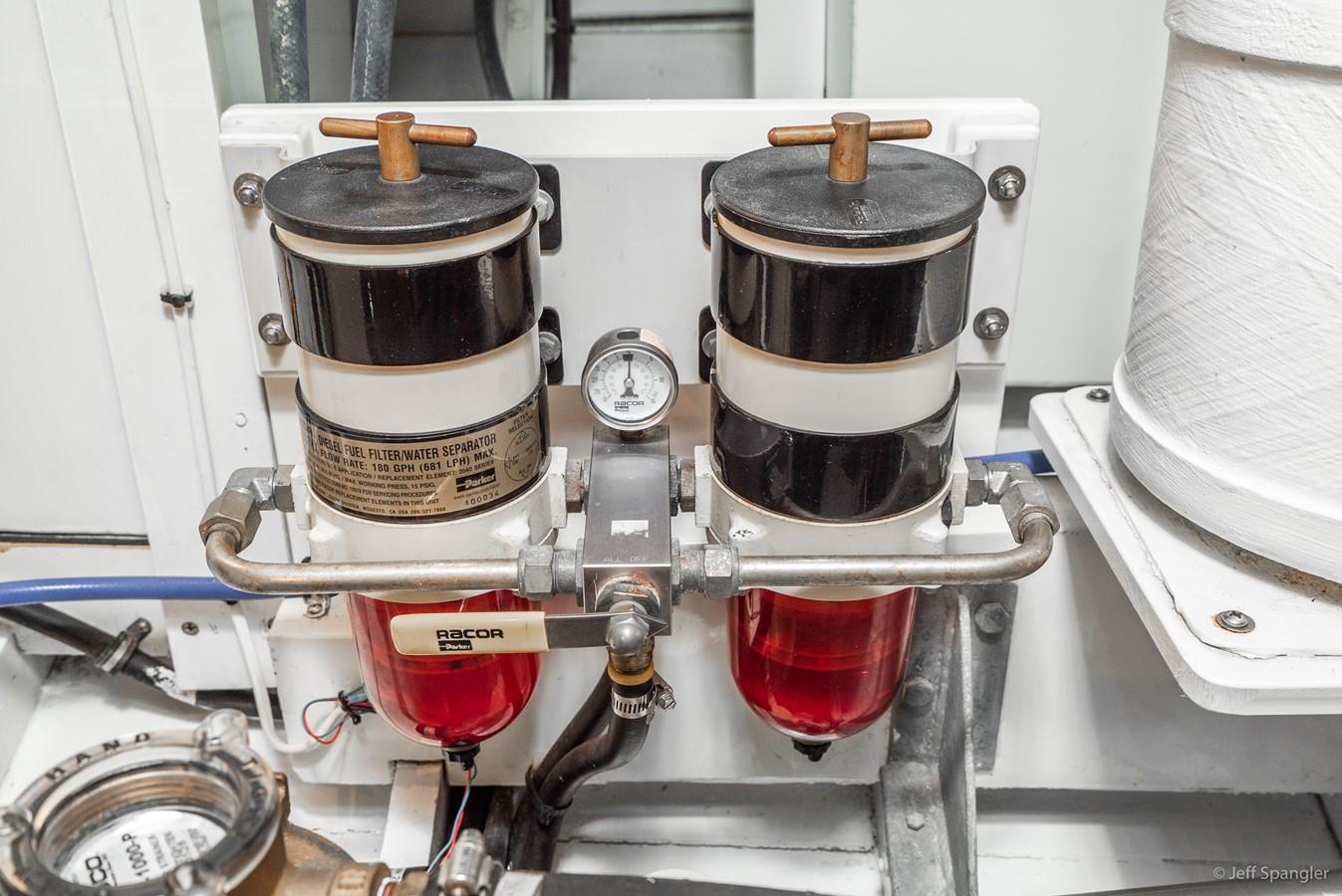 Racor Fuel Filters 1973 GRAND BANKS Grand Banks Europa Trawler 2626038