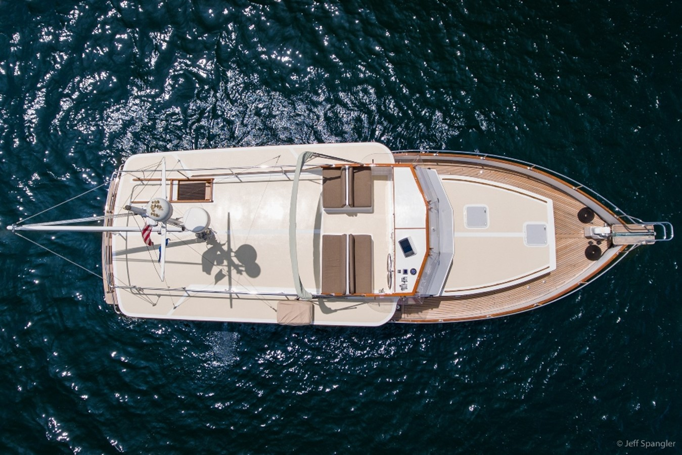 Flybridge 1973 GRAND BANKS Grand Banks Europa Trawler 2626129