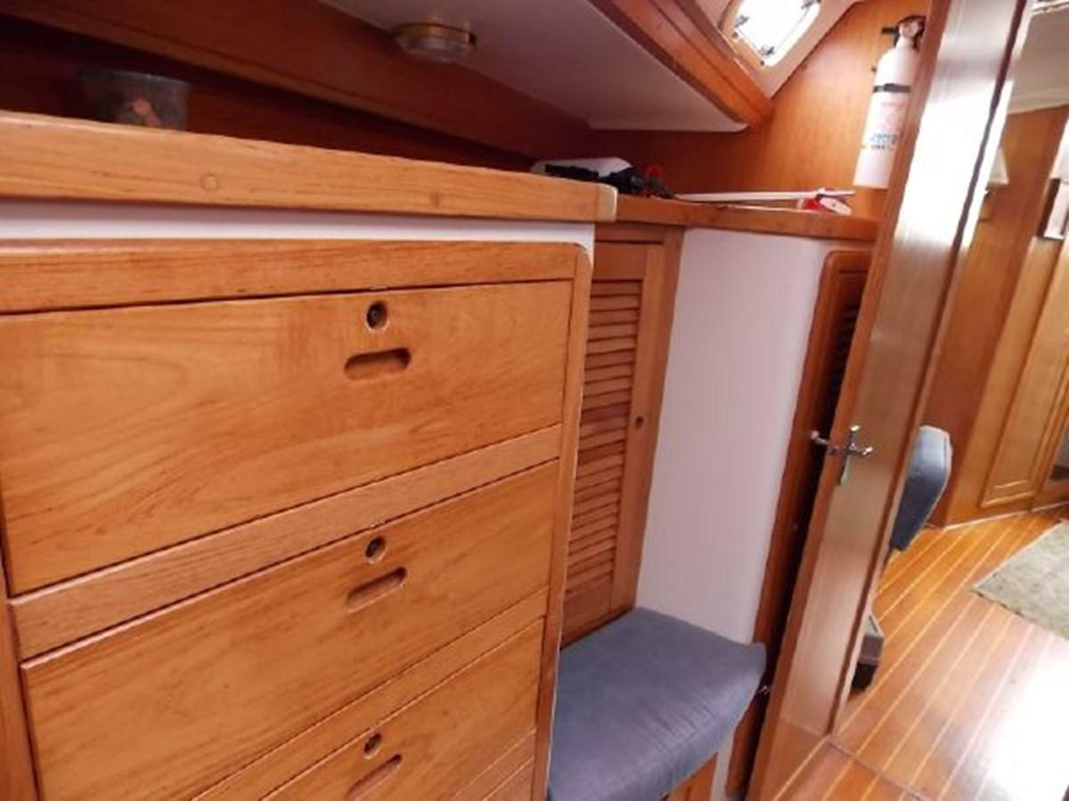 5 1996 CATALINA 42 MKII Cruising Sailboat 2626271