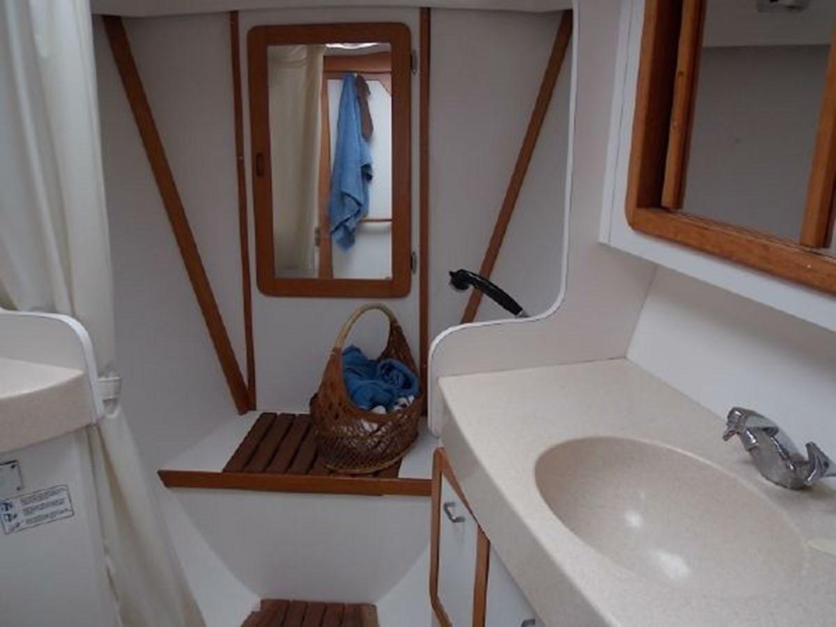 7 1996 CATALINA 42 MKII Cruising Sailboat 2626273