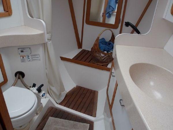 6 1996 CATALINA 42 MKII Cruising Sailboat 2626272