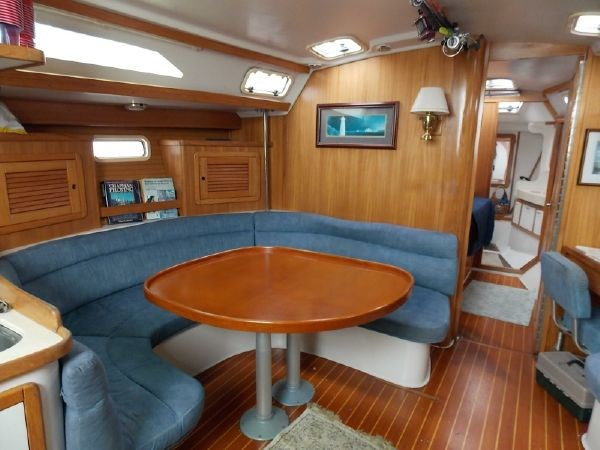 11 1996 CATALINA 42 MKII Cruising Sailboat 2626277