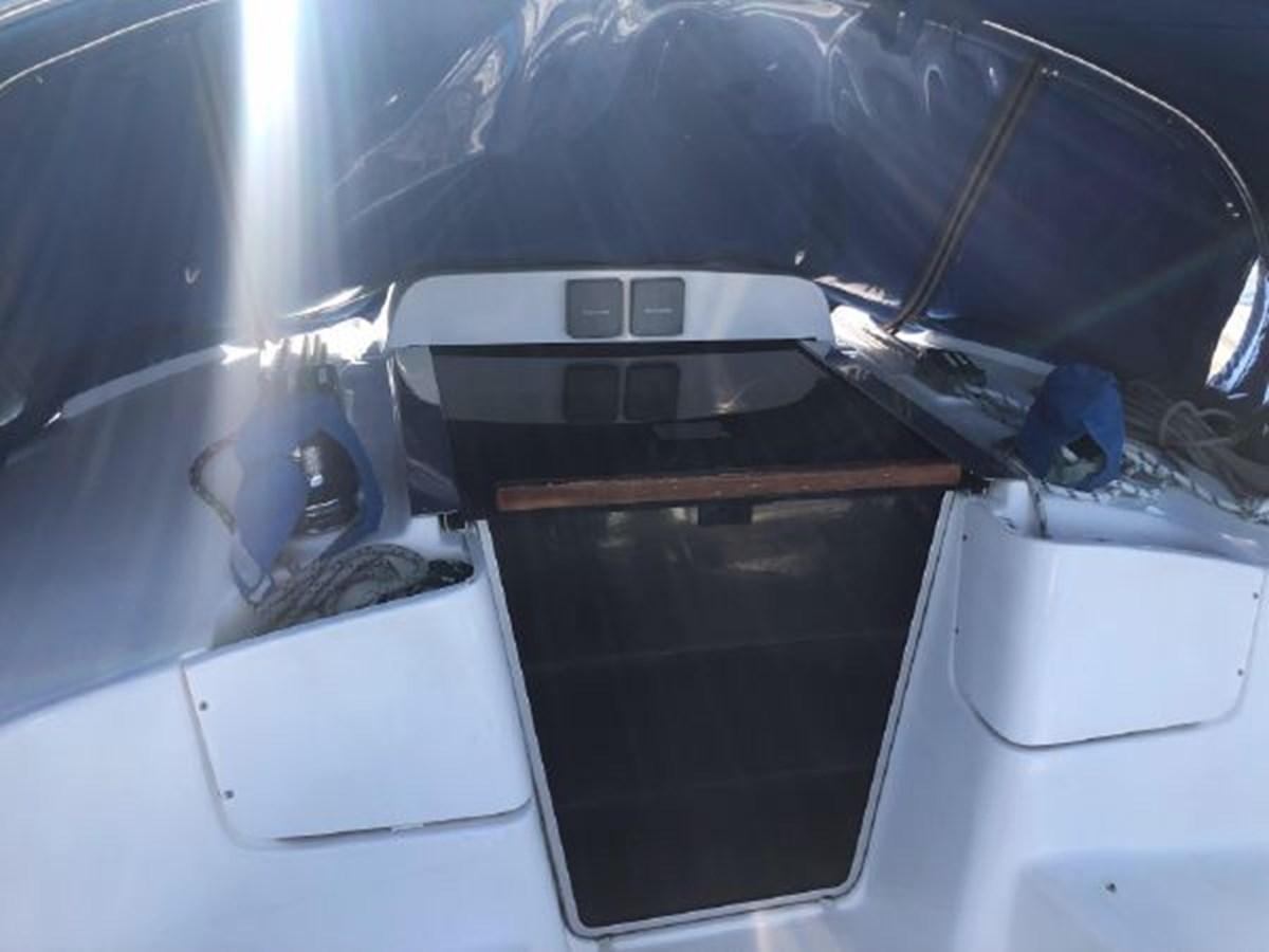 9 2006 HUNTER 36 Cruising Sailboat 2626372