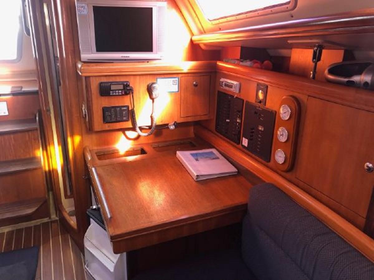 21 2006 HUNTER 36 Cruising Sailboat 2626384