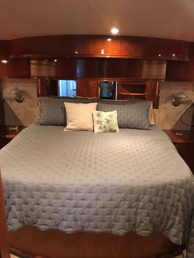 Master Stateroom 2004 MARQUIS Flybridge Motor Yacht Motor Yacht 2673380