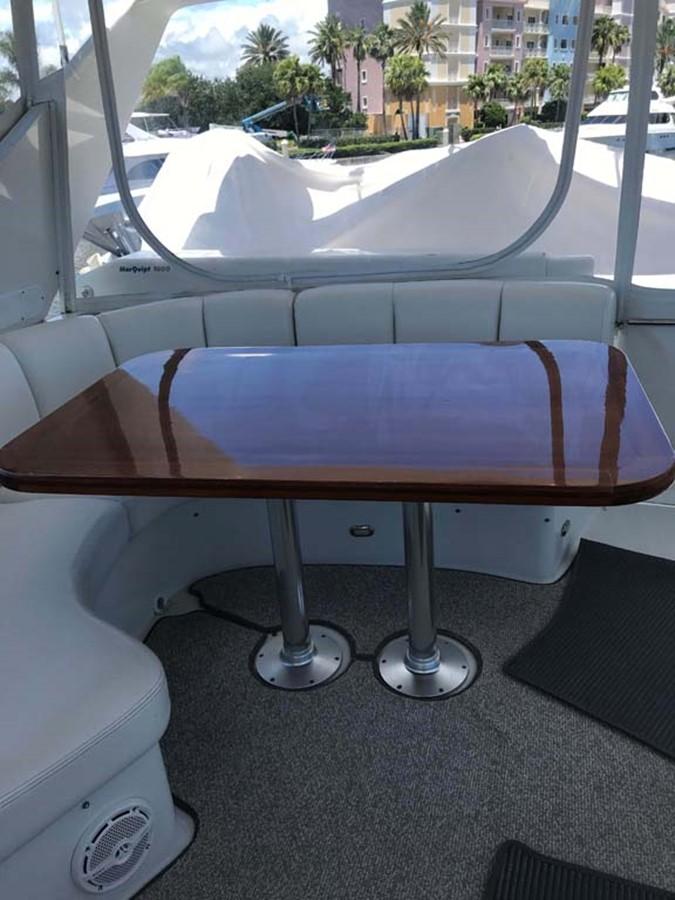 Flybridge Table 2004 MARQUIS Flybridge Motor Yacht Motor Yacht 2673390