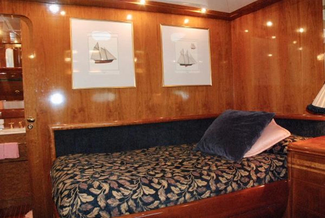 1993 CANADOS  Motor Yacht 2628290