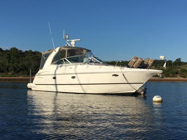 2002 Cruisers Yachts 3672 Express  2637719