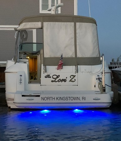 2002 Cruisers Yachts 3672 Express  2637725