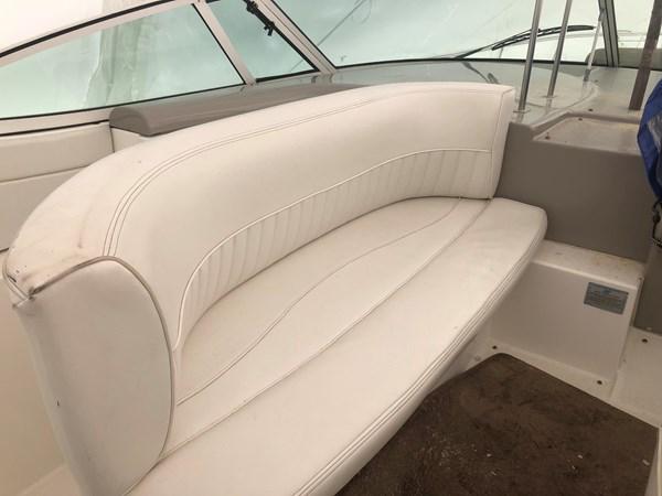 2002 Cruisers Yachts 3672 Express  2637732