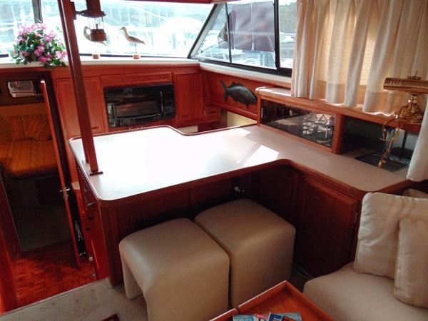 1987 CARVER 42 Aft Cabin Motoryacht  2638904