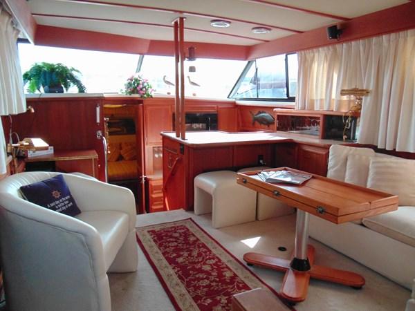 1987 CARVER 42 Aft Cabin Motoryacht  2638906