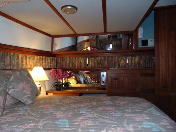 1987 CARVER 42 Aft Cabin Motoryacht  2638907
