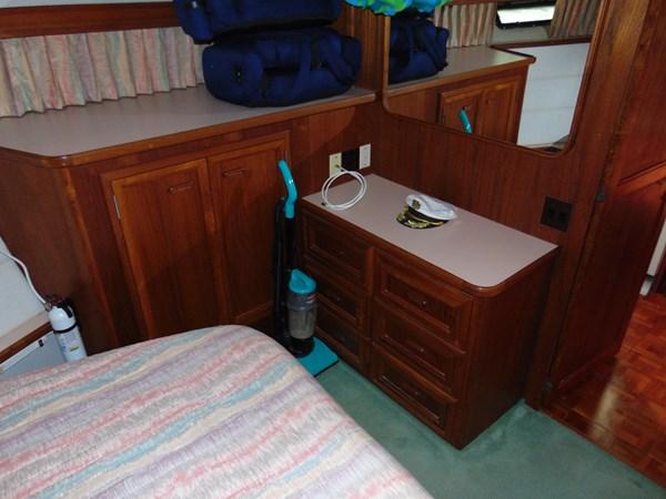 1987 CARVER 42 Aft Cabin Motoryacht  2638910