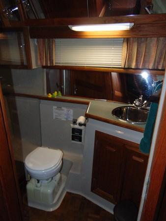 1987 CARVER 42 Aft Cabin Motoryacht  2638911