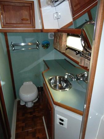 1987 CARVER 42 Aft Cabin Motoryacht  2638919