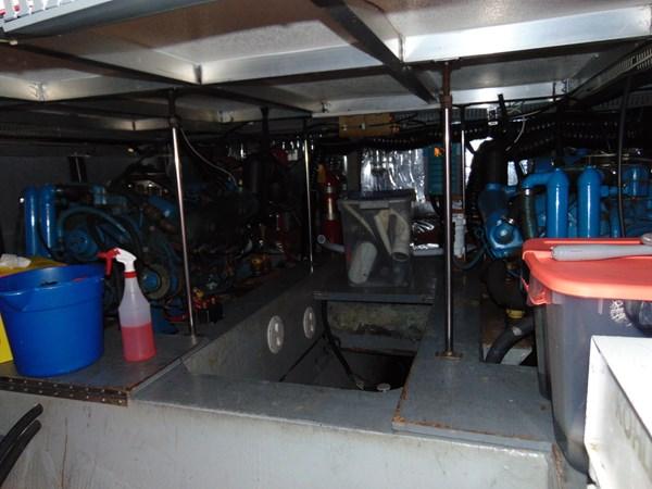 1987 CARVER 42 Aft Cabin Motoryacht  2638922