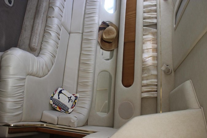 Port view 1997 SEA RAY 290 Sundancer  2643847