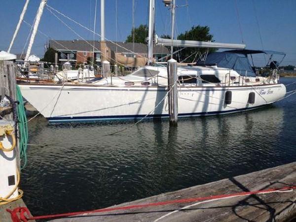 Port side at the dock 2005 CATALINA Catalina Morgan 440 DS  2647440