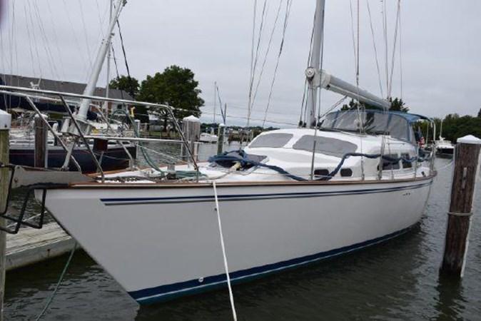 Port side at the dock 2005 CATALINA Catalina Morgan 440 DS  2647447