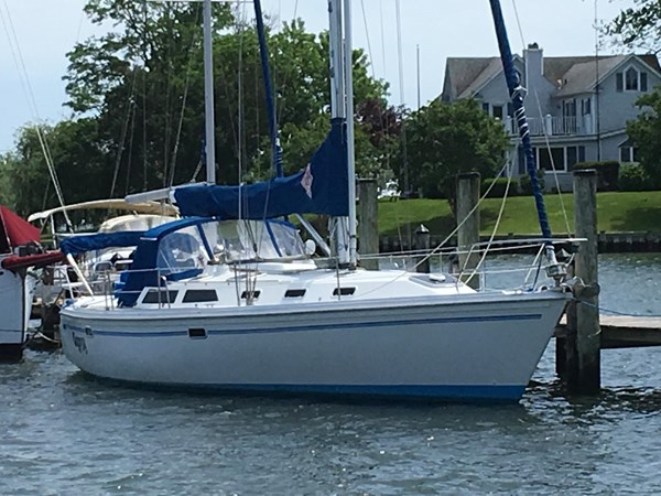 May 2019 Starboard side pic 1994 CATALINA MKI  2647843