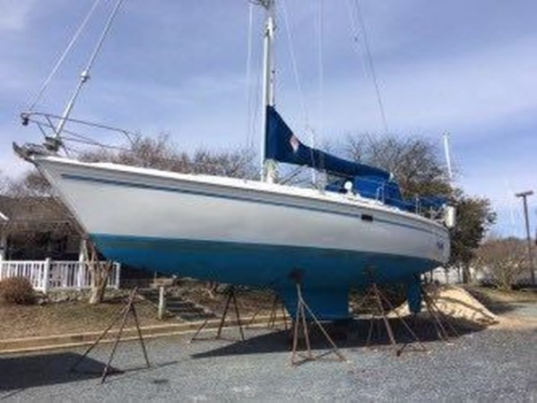 May 2019 Starboard side pic 1994 CATALINA MKI  2647875