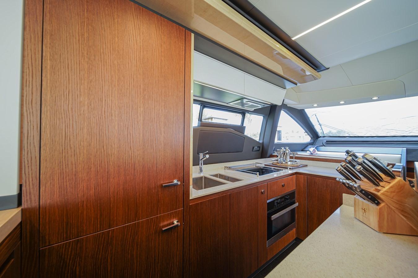 2017 AZIMUT  Motor Yacht 2858202