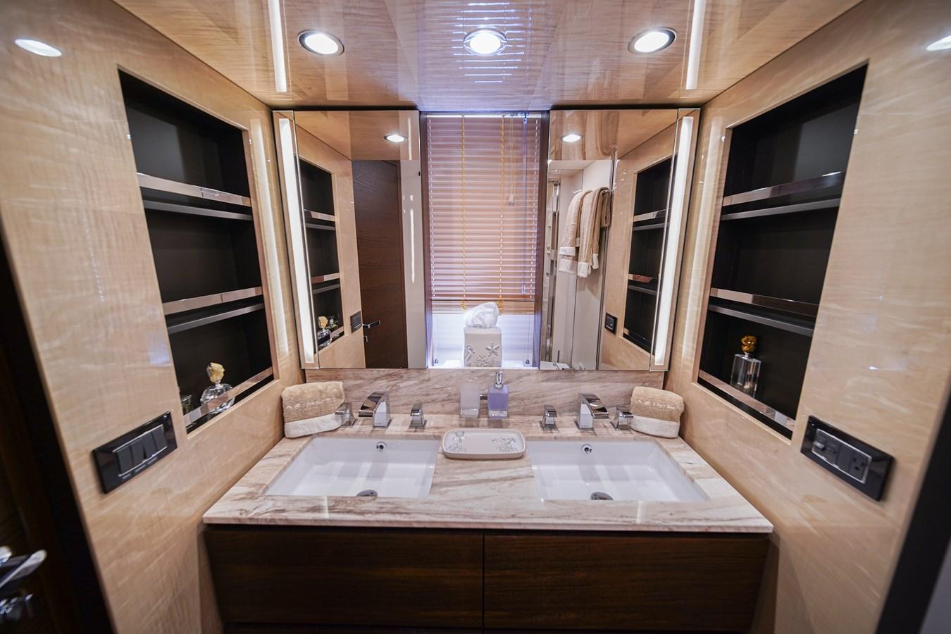 2017 AZIMUT  Motor Yacht 2858209