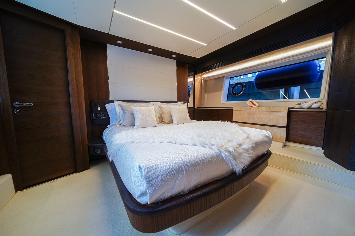 2017 AZIMUT  Motor Yacht 2858212