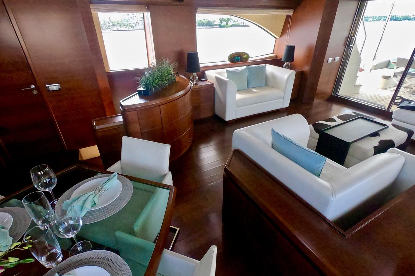 2009 85 Azimut Flybridge - Salon (3) 2009 AZIMUT 85 Flybridge Motor Yacht 2649142