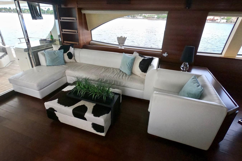 2009 85 Azimut Flybridge - Salon (4) 2009 AZIMUT 85 Flybridge Motor Yacht 2649143