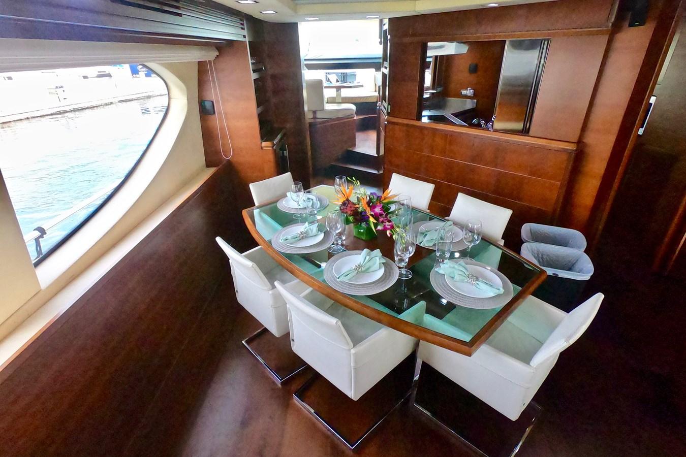 2009 85 Azimut Flybridge - Dining Table 2009 AZIMUT 85 Flybridge Motor Yacht 2649144