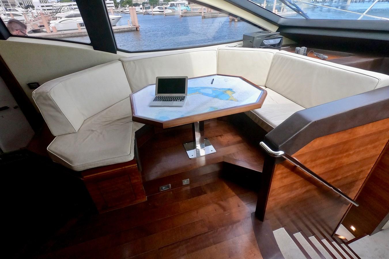 2009 85 Azimut Flybridge - Forward Dinette 2009 AZIMUT 85 Flybridge Motor Yacht 2649150