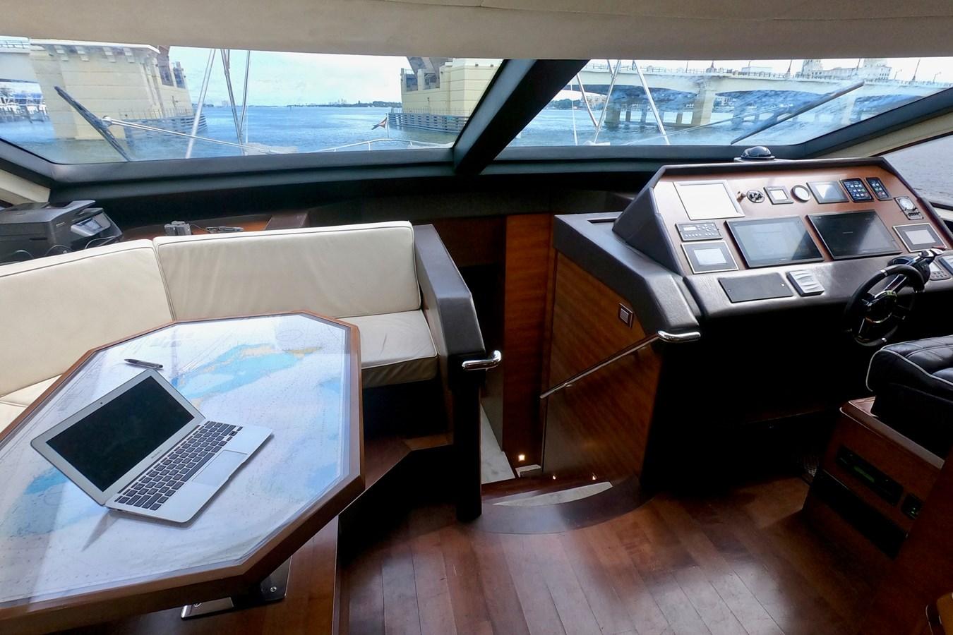 2009 85 Azimut Flybridge - Helm 2009 AZIMUT 85 Flybridge Motor Yacht 2649814