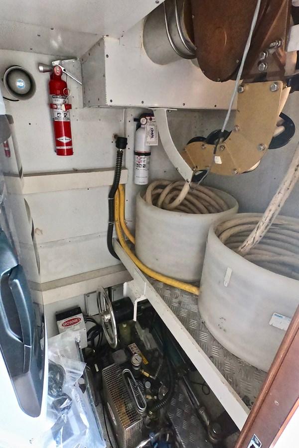 2009 85 Azimut Flybridge - Aft Mechanical 2009 AZIMUT 85 Flybridge Motor Yacht 2649821