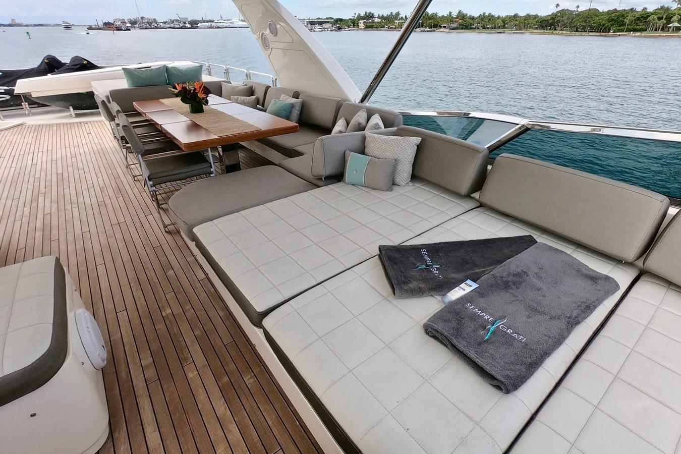 2009 85 Azimut Flybridge - Upper Dining and Lounge (3) 2009 AZIMUT 85 Flybridge Motor Yacht 2649825