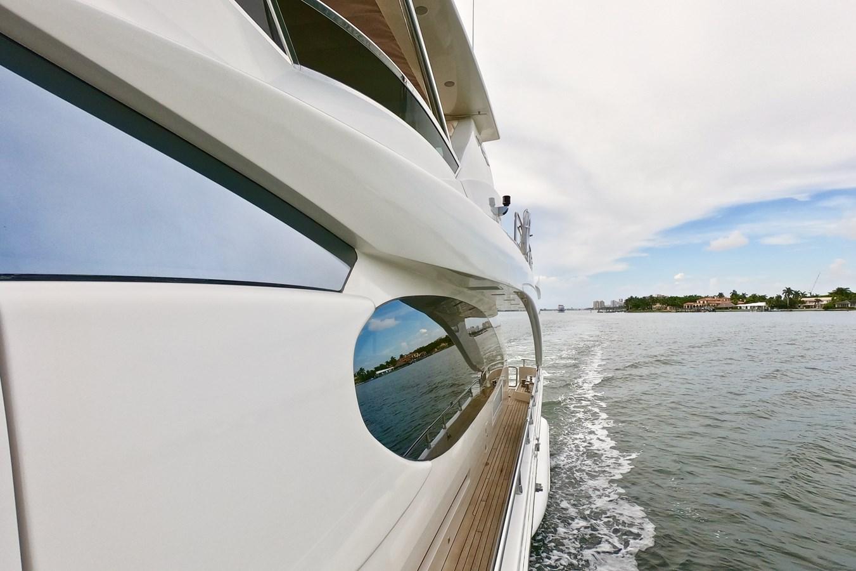 2009 85 Azimut Flybridge -Walk Deck 2009 AZIMUT 85 Flybridge Motor Yacht 2649830