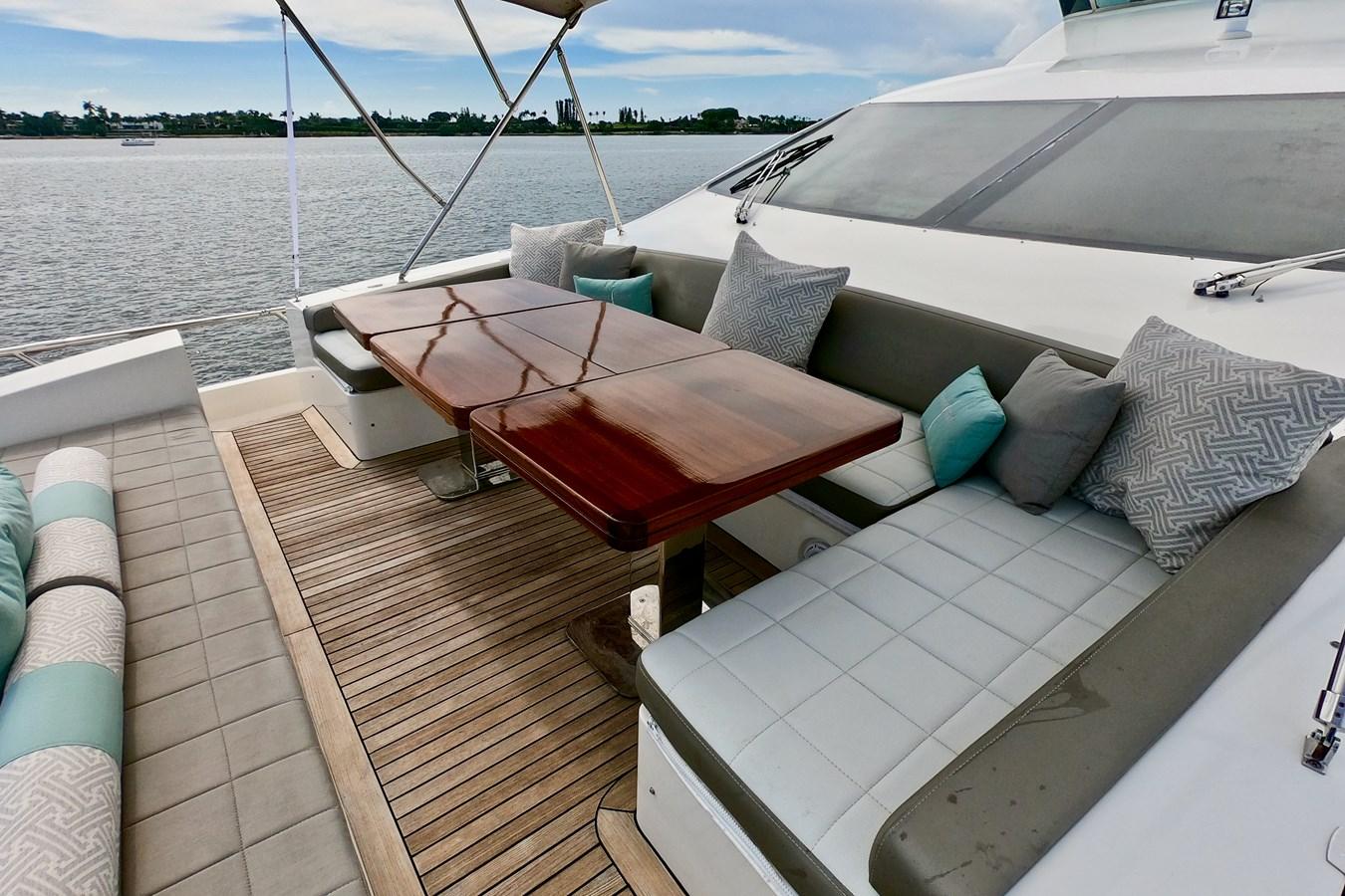 2009 85 Azimut Flybridge - Bow Seating 2009 AZIMUT 85 Flybridge Motor Yacht 2649834