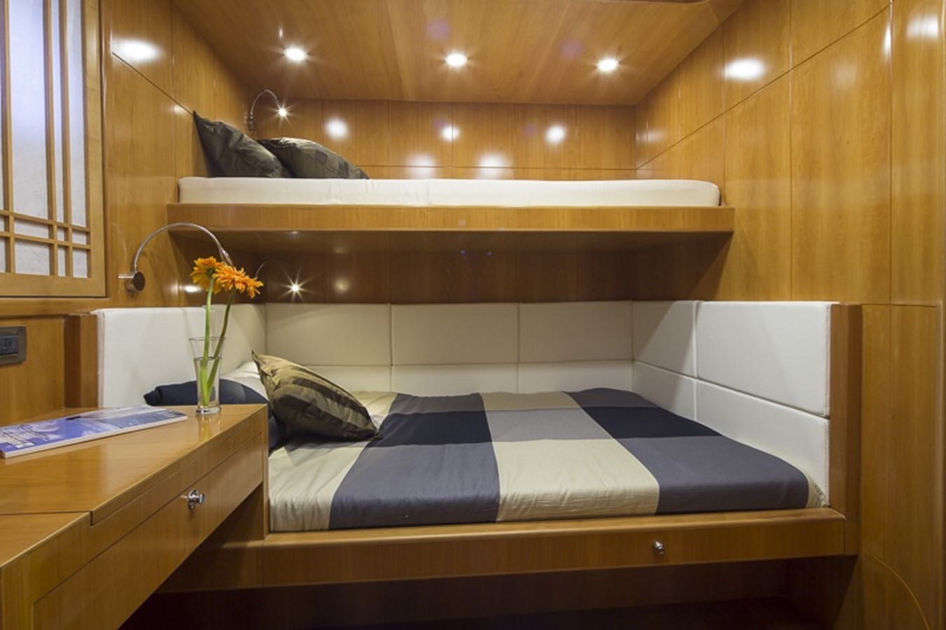 BERING YACHTS Expedition Yacht 2013 BERING YACHTS  Expedition Yacht 2650543