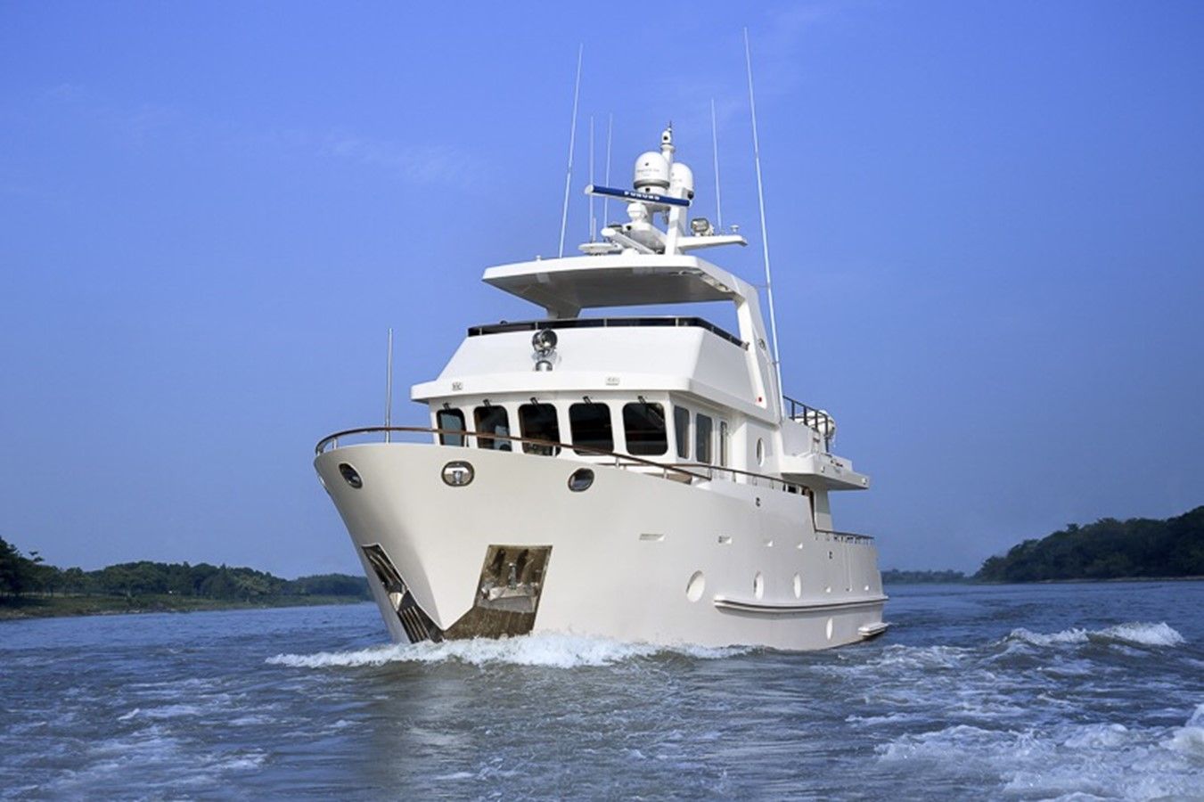 2013 BERING YACHTS  Expedition Yacht 2650628
