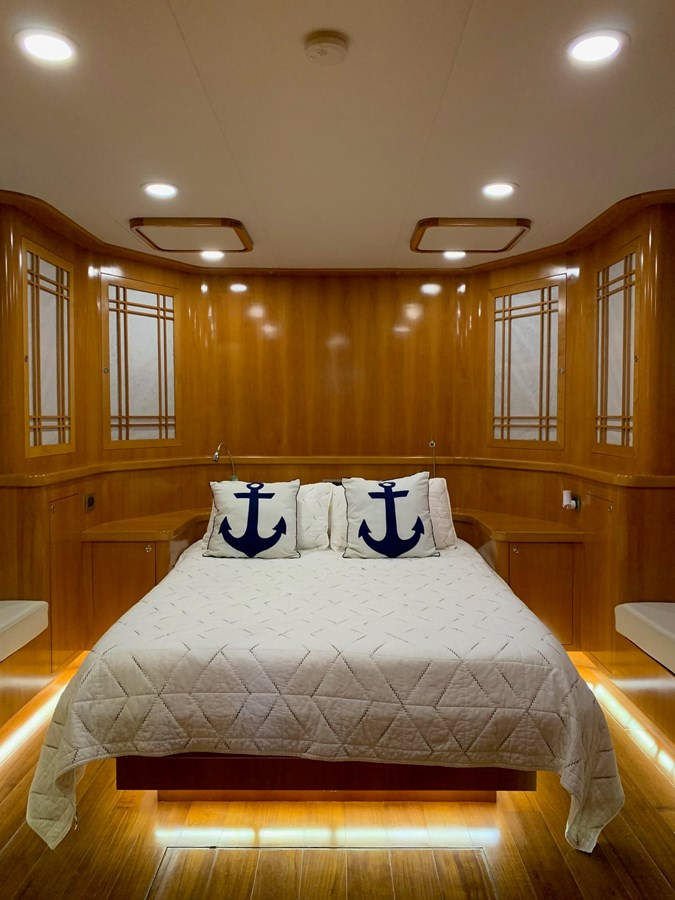 BERING YACHTS Expedition Yacht 2013 BERING YACHTS  Expedition Yacht 2881795