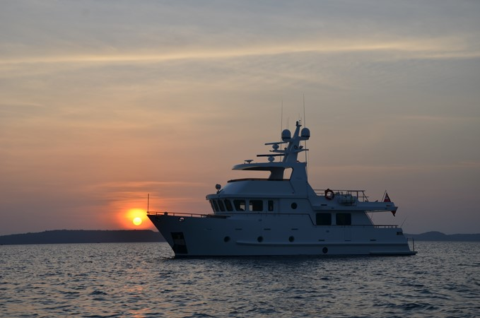2013 BERING YACHTS  Expedition Yacht 2650518
