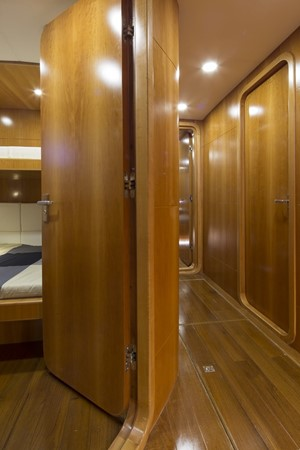 2013 BERING YACHTS  Expedition Yacht 2650535