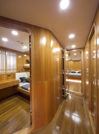 2013 BERING YACHTS  Expedition Yacht 2650536