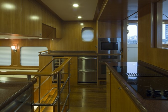 2013 BERING YACHTS  Expedition Yacht 2650560