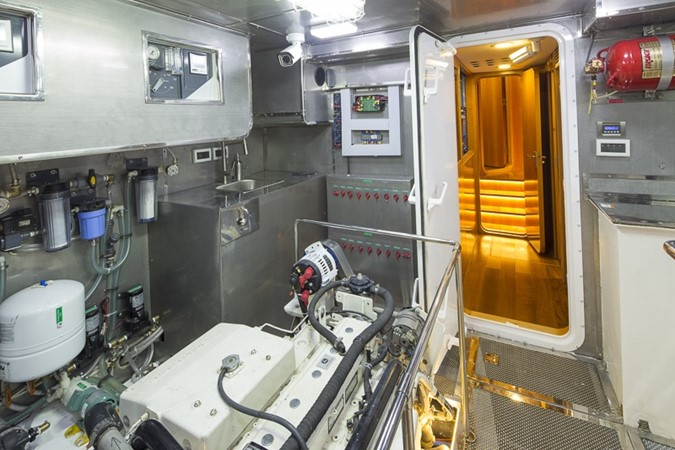 2013 BERING YACHTS  Expedition Yacht 2650578