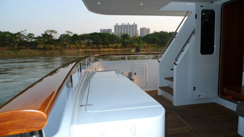 2013 BERING YACHTS  Expedition Yacht 2650582